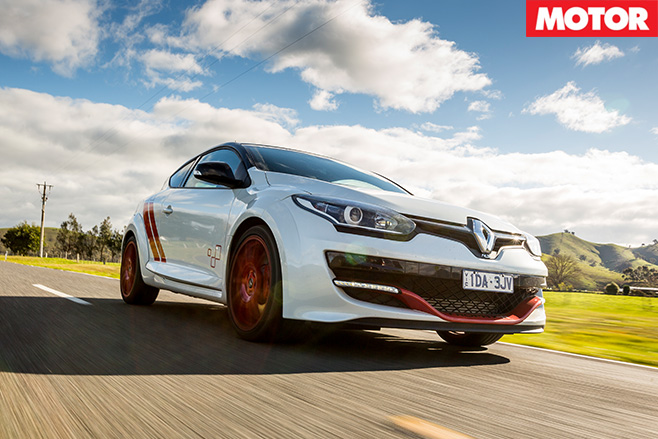 Renault Megane Trophy-R driving FAST