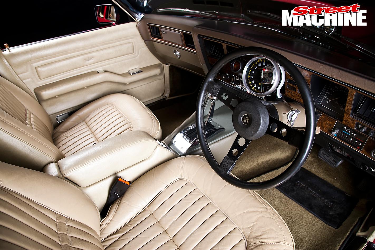 Holden -HJ-Statesman -interior -front