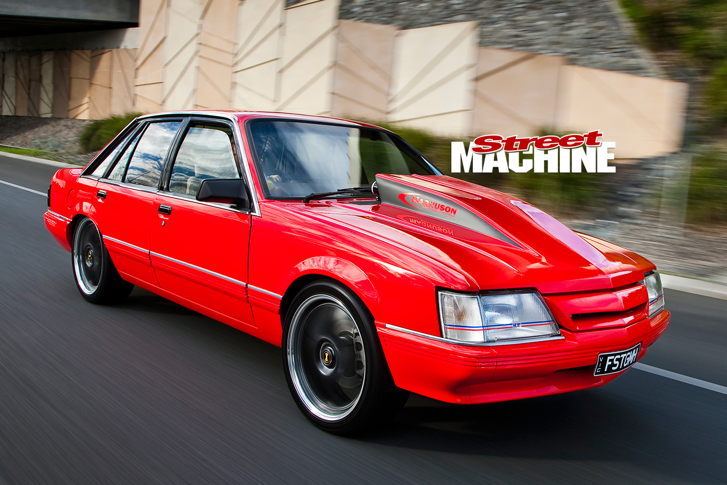 Holden -VK-Commodore -onroad -2-nw