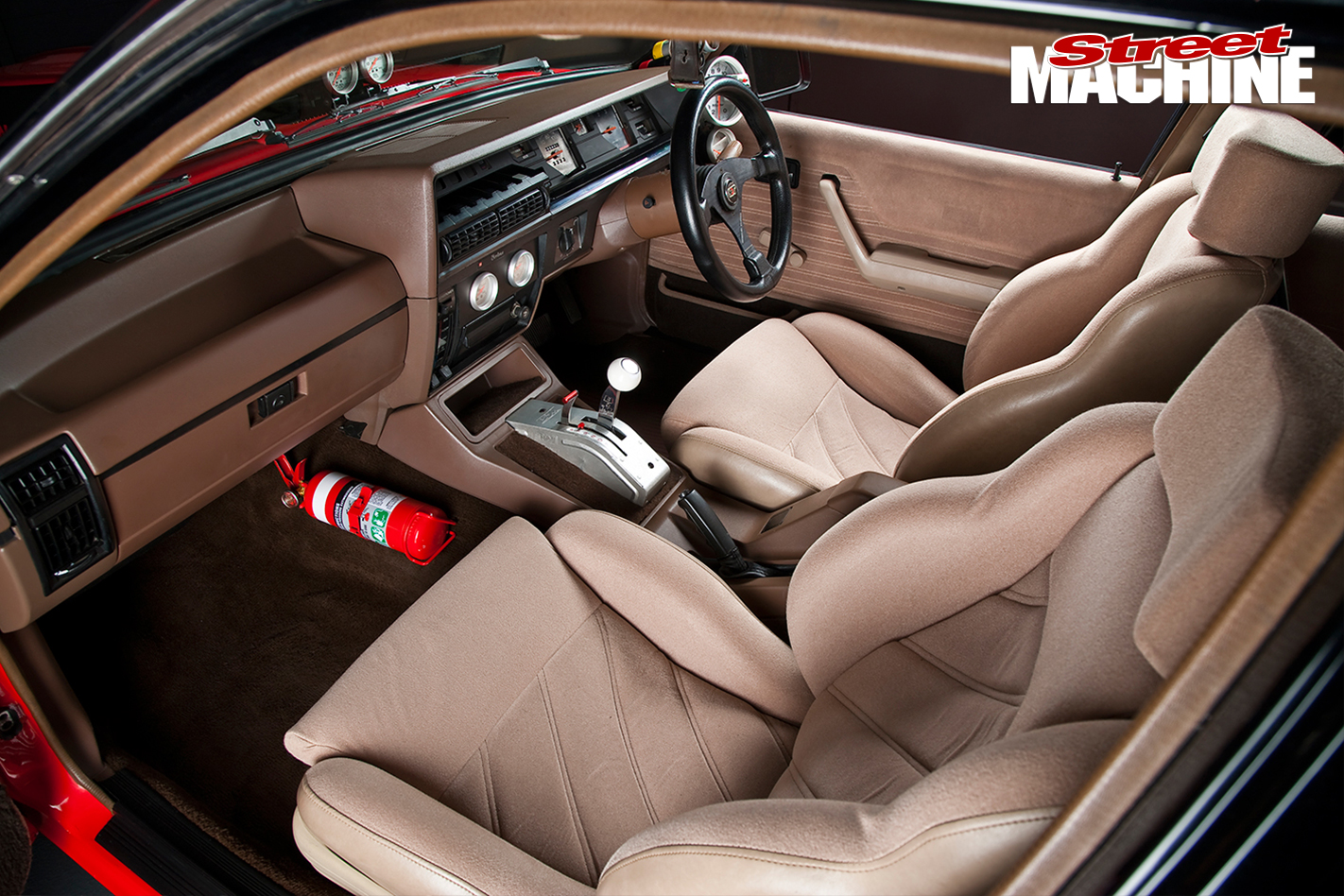 Holden -VK-Commodore -interior -front