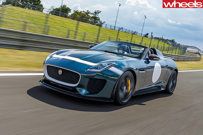 Jaguar -F-Type -Project -7-green -driving