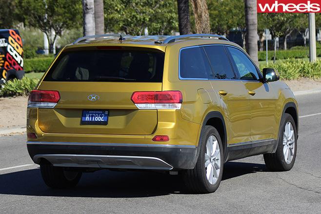 Volkswagen -Crossblue -concept -rear -side