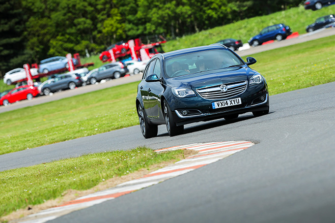 Vauxhall Insignia wagon turning