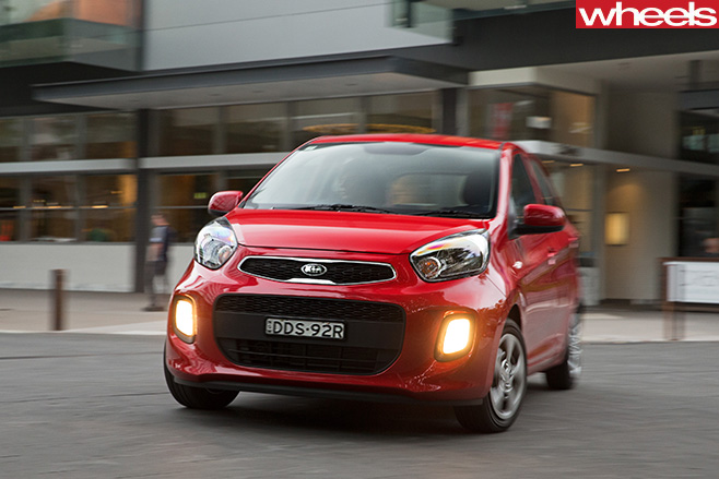 Kia -Picanto -red -front -front -driving