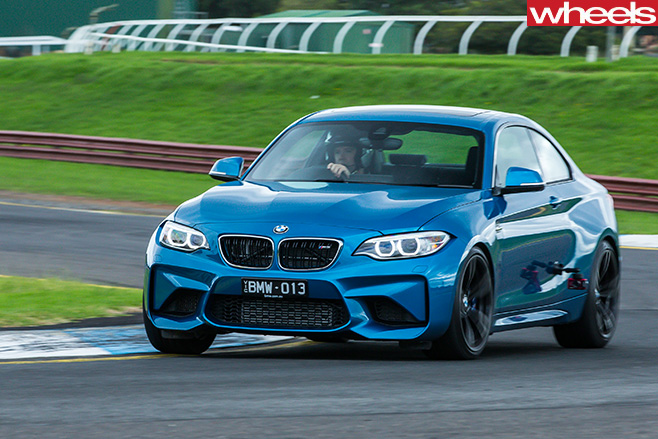 BMW-m 2-driving -front -side