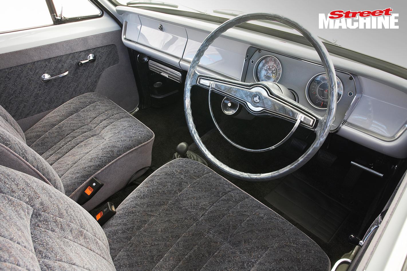 HR Holden Ute Interior