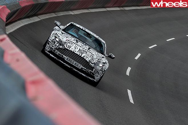 Aston -Martin -DB11-circuit
