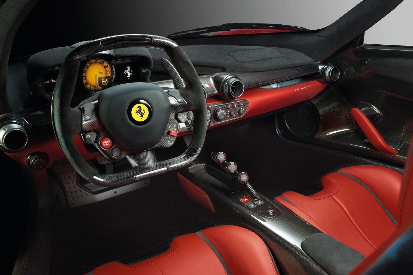 La Ferrari -Spider -interior