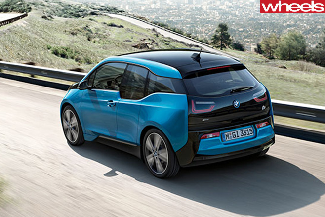 BMW-i 8-driving -rear -blue