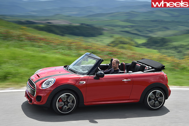 Mini -JCW-convertible -side -driving
