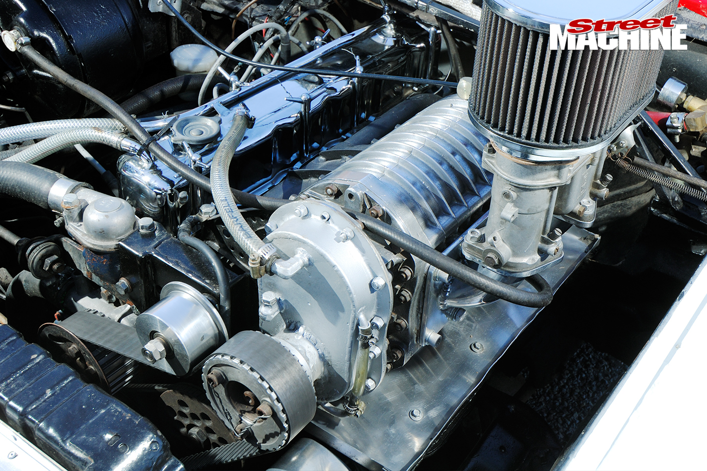 Holden -Torana -XU1-Saggy -Sarah -engine
