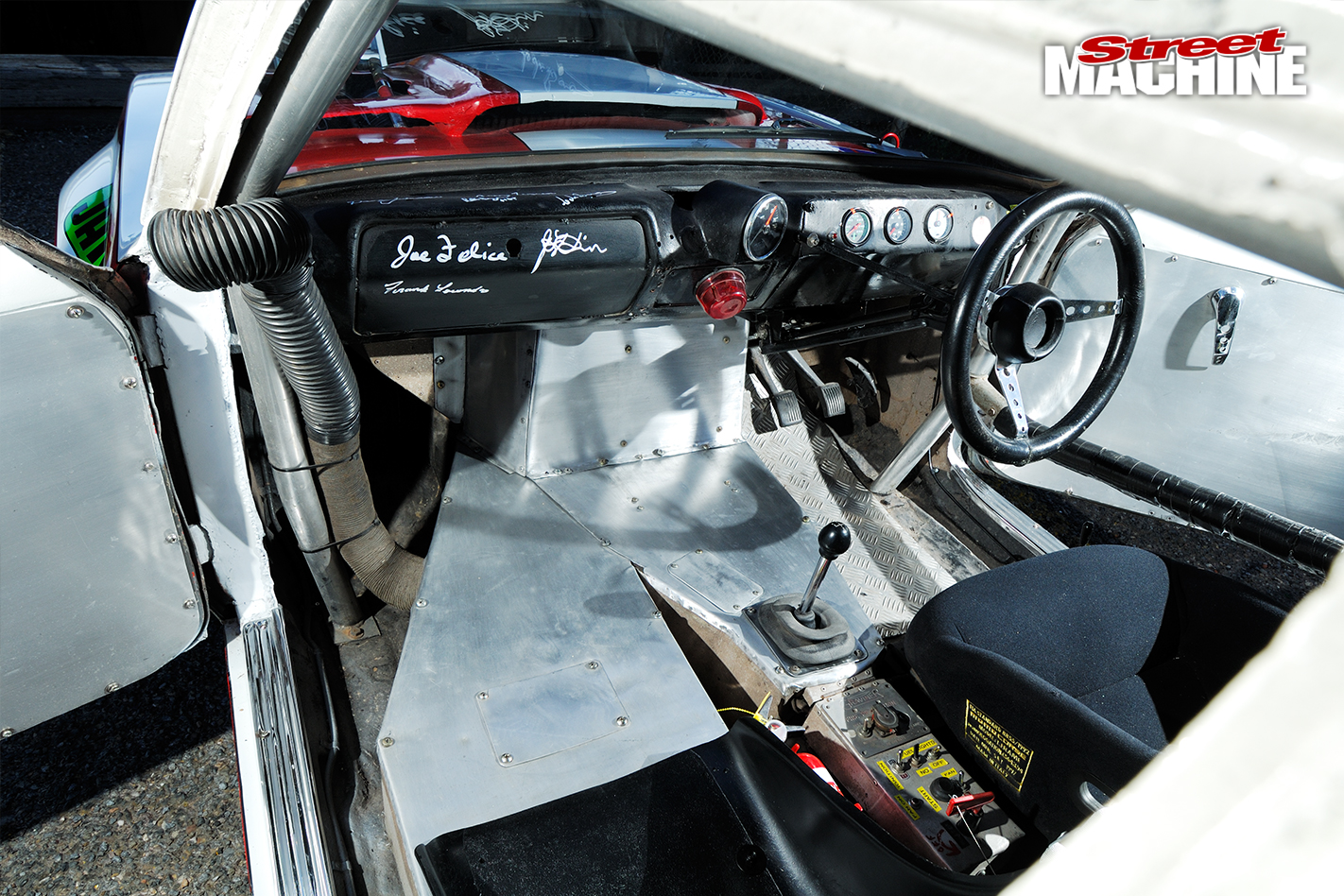 Holden -Torana -XU1-Saggy -Sarah -interior