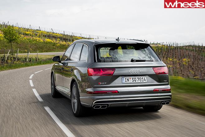 Audi -SQ7-rear