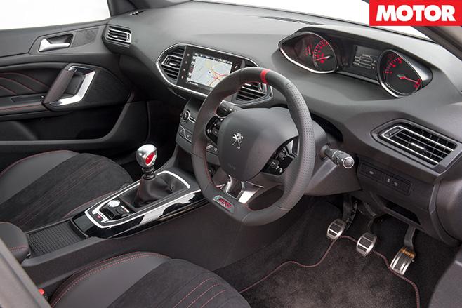 Peugeot 308 GTi 250 interior