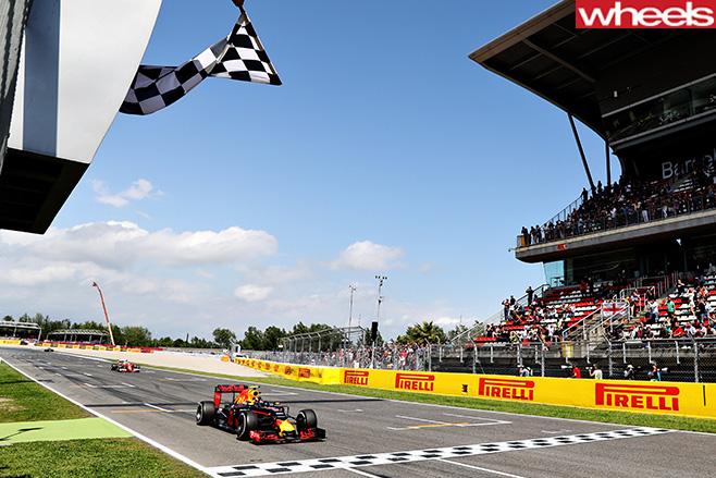 Max -Verstappen -Red -Bull -chequered -flag