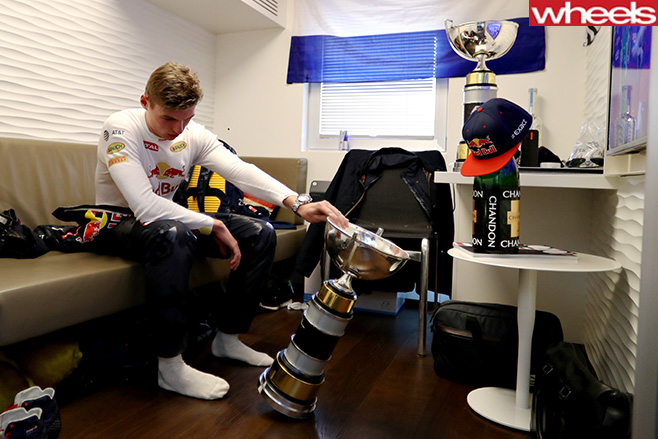 Max -Verstappen -Red -Bull -trophy