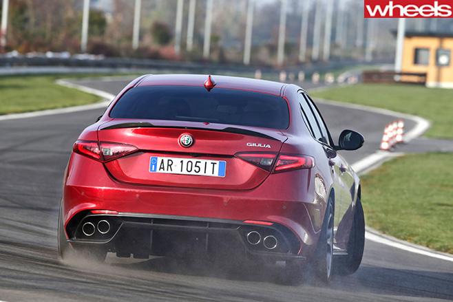 Alfa -Romeo _Quadrofoglio -rear -drifting -driving