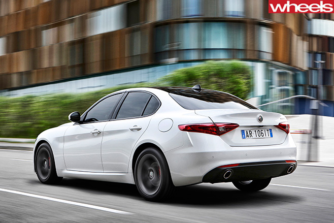Alfa -Romeo -Giulia -rear -driving