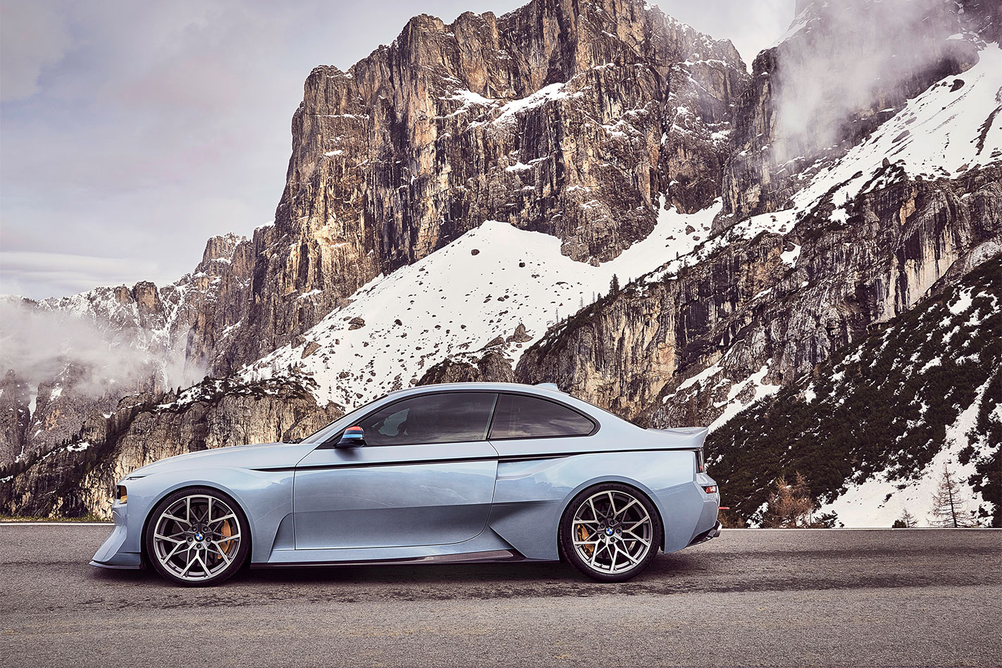 BMW-2002-Hommage -profile