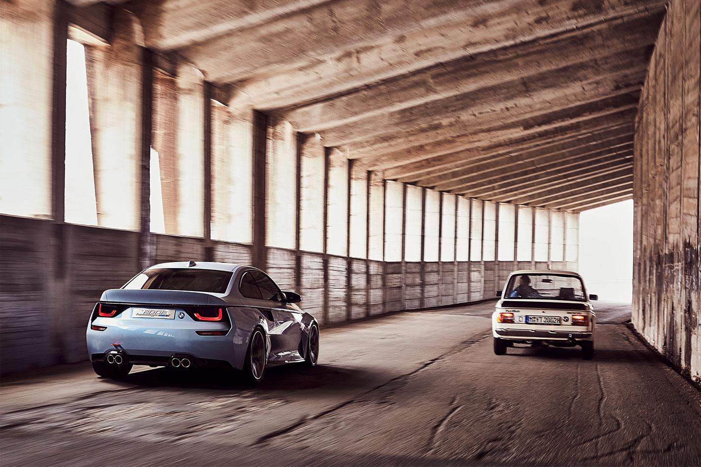 BMW-2002-Hommage -rear