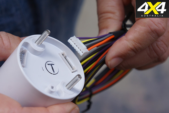 Wiring to volt gauge connects easily