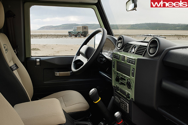 Land -Rover -Defender -interior