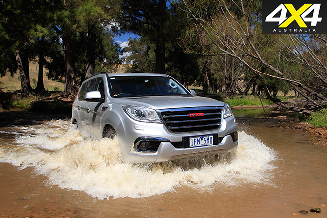 Haval H9 drives through water