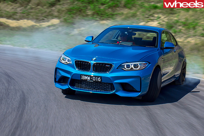 BMW-M2-front -side -drifting