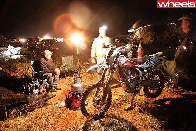 Motorbike -at -camfire -Finke -Desert -Race -driving