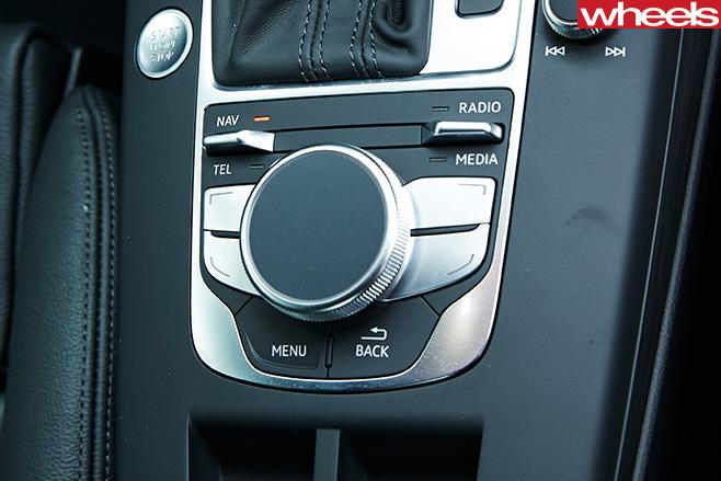 Audi -A3-dynamic -navigation -control