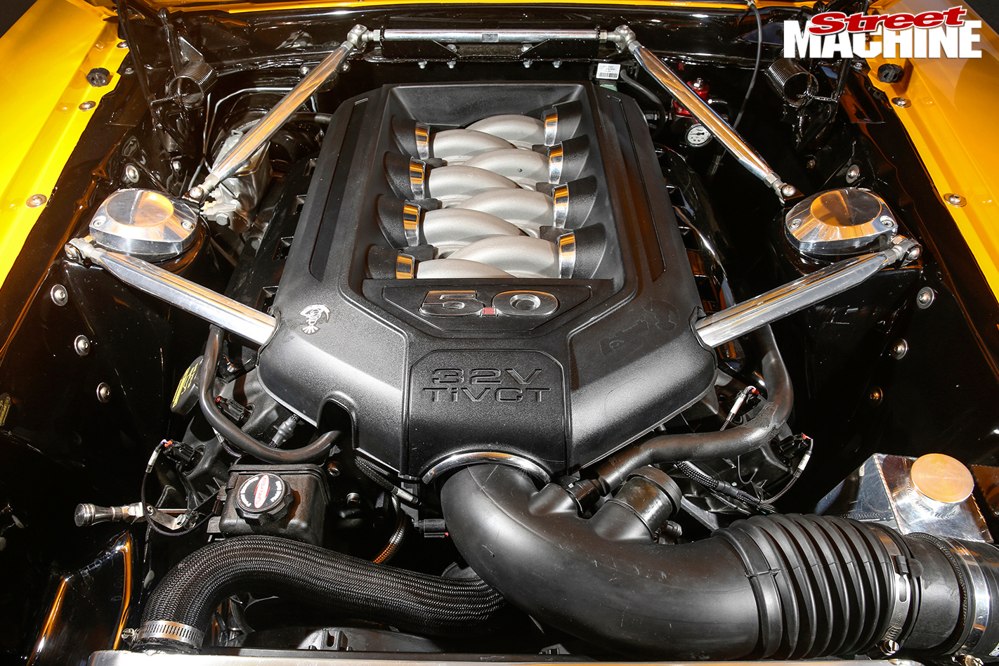 Ford -Mustang -BOSS-engine -bay