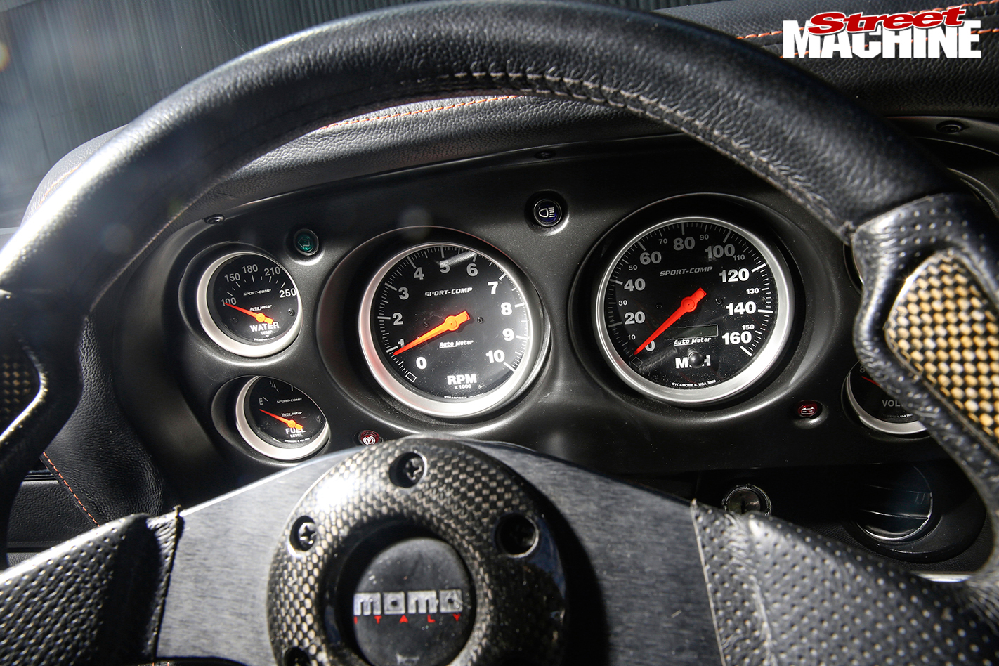 Ford -Mustang -BOSS-interior -dash