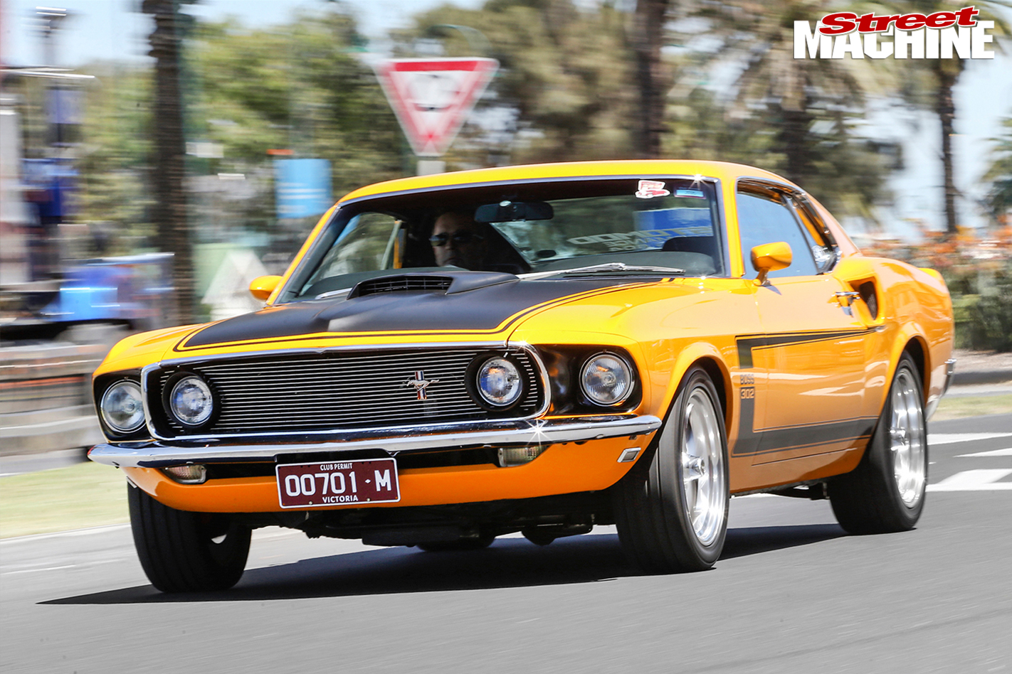 Ford -Mustang -BOSS-front -onroad