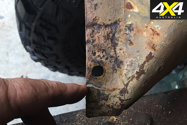Cracked mud guards