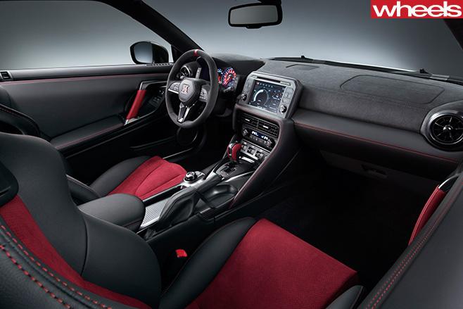 Nissan -GT-R-Nismo -interior
