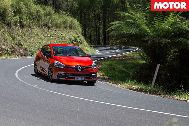 Clio RS Trophy cornering