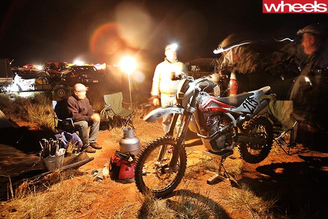 Finke -Desert -Race -camping