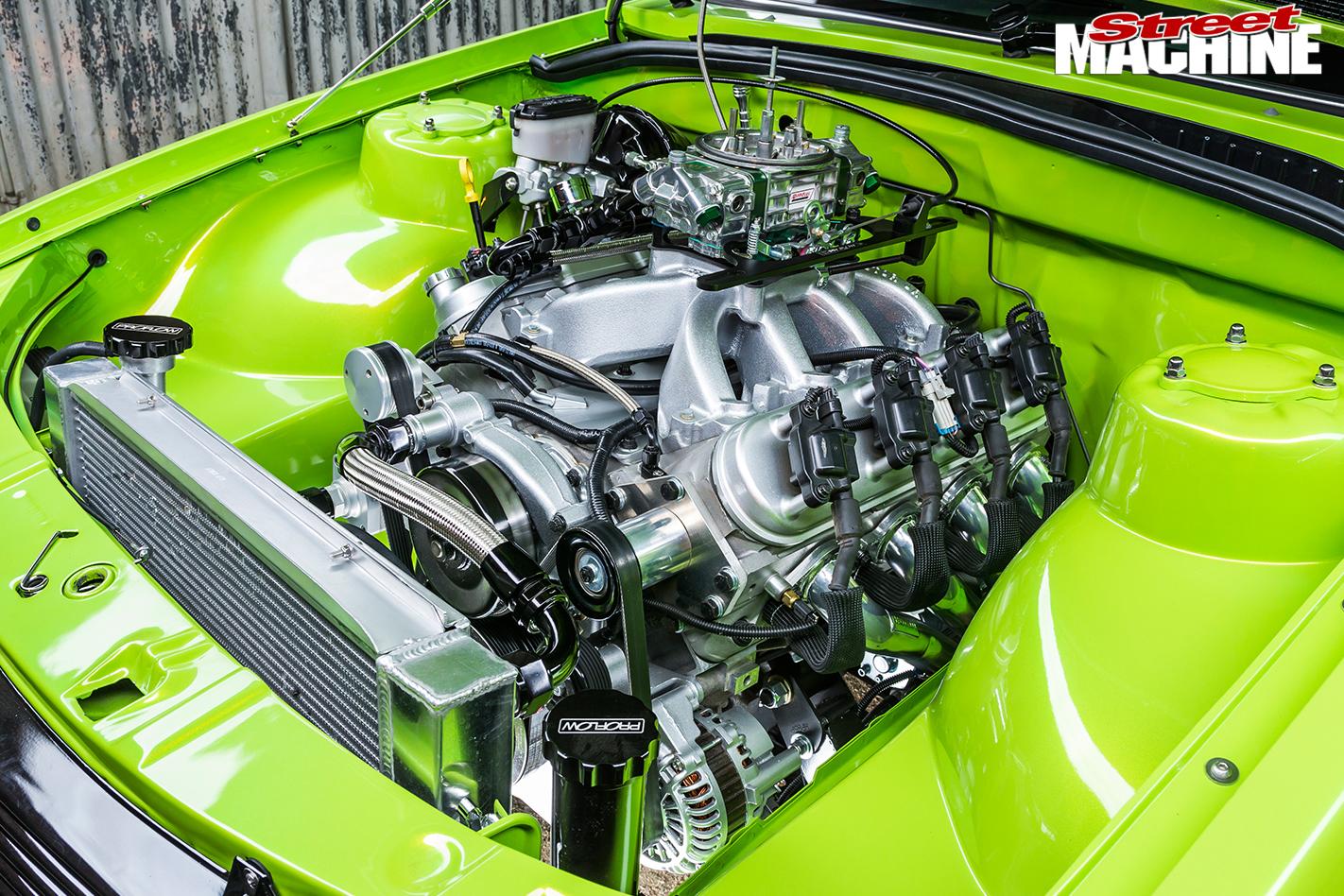 Holden -VH-Vacationer -Wagon -Engine -side