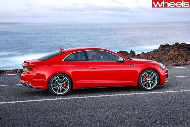 Audi -S5-side