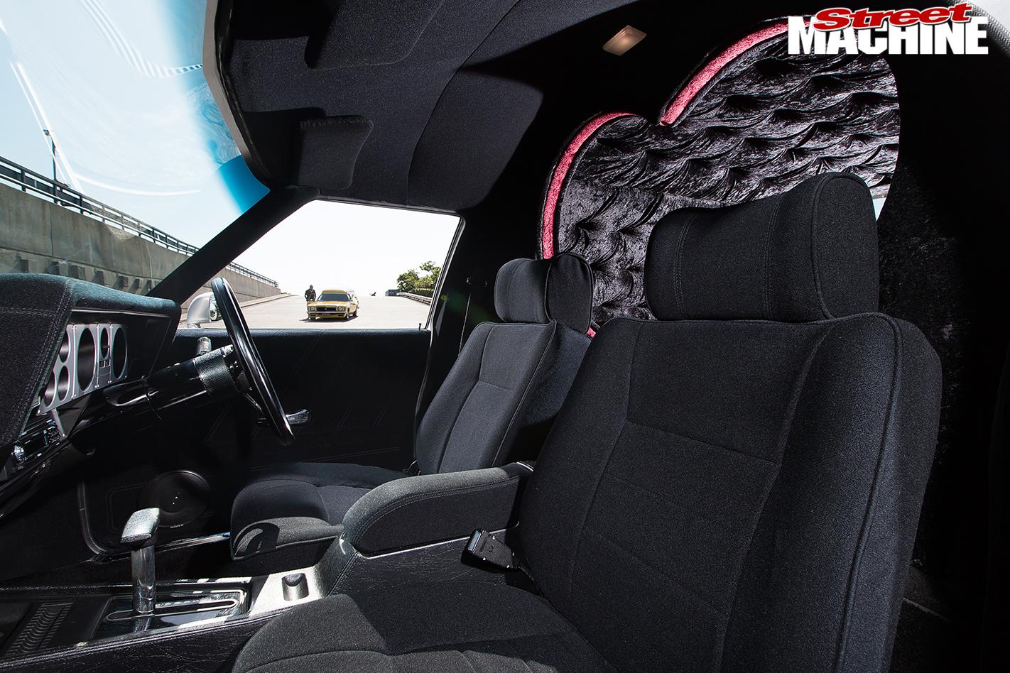 Holden -HX-Sandman -interior -front
