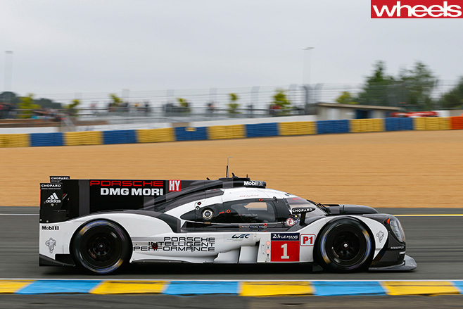 Porsche -Le -Mans -driving -side