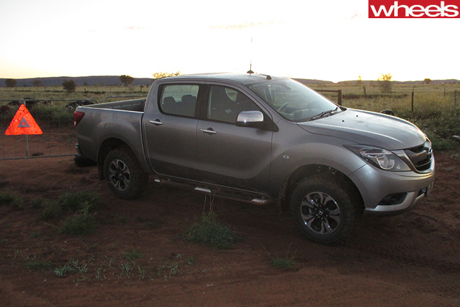 Finke -Desert -Race -Mazda -BT-50-side