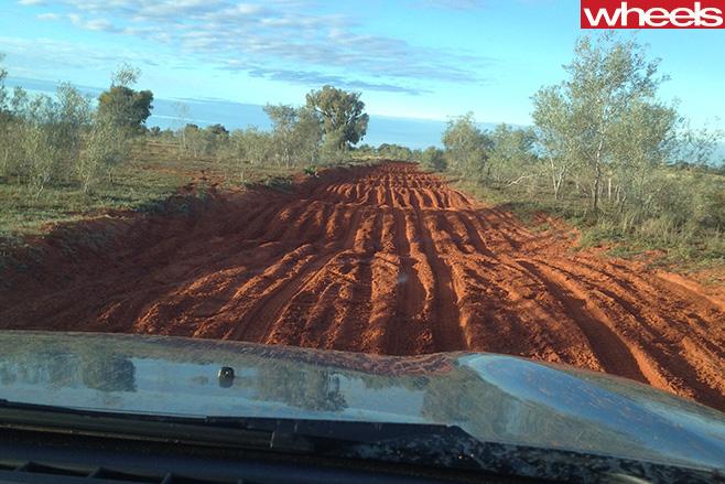 Mazda -BT-50-driving -Finke -Desert -Race