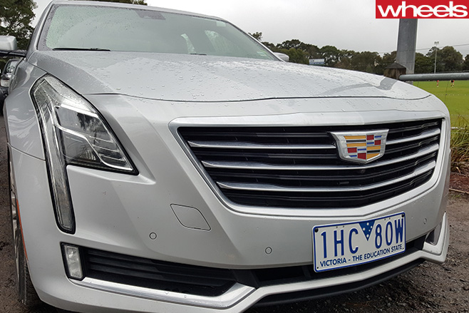 Cadillac -CT6-front -grille