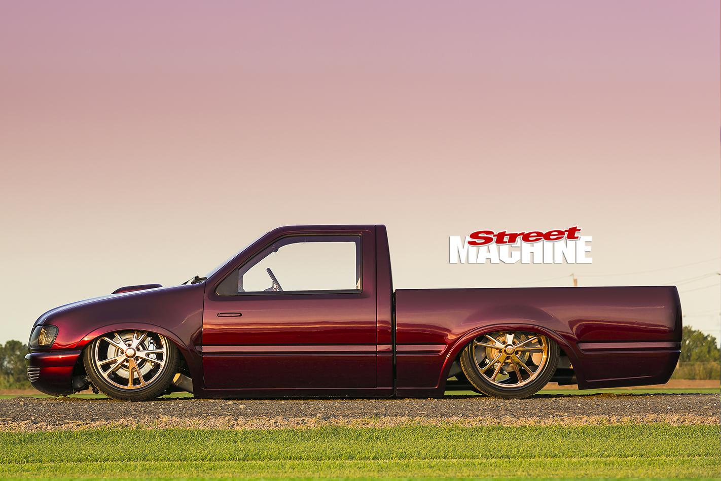 Holden -Rodeo -slammed -side -view