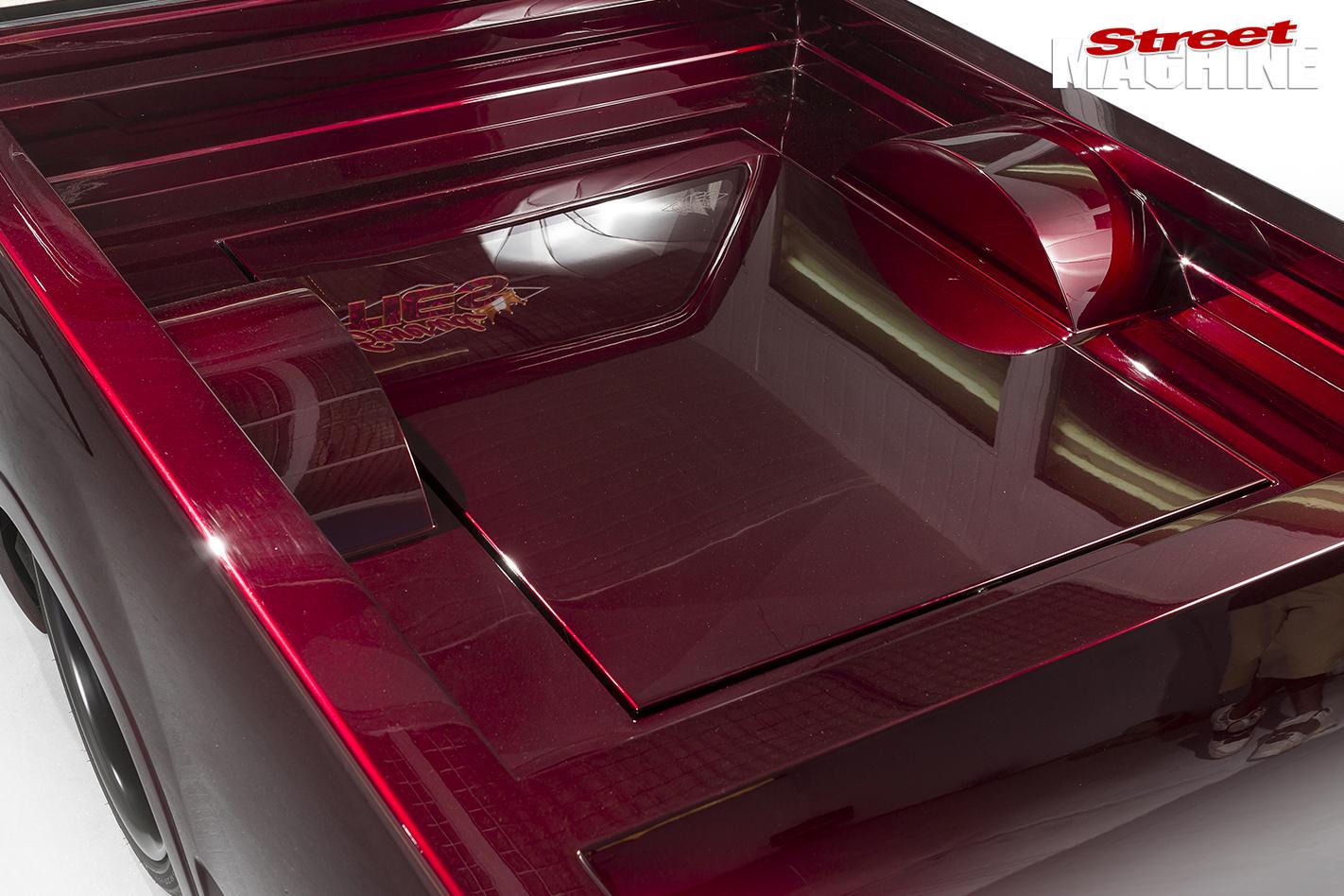 Holden -Rodeo -slammed -tray