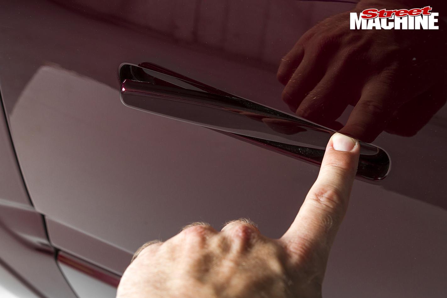 Holden -Rodeo -slammed -door -handle