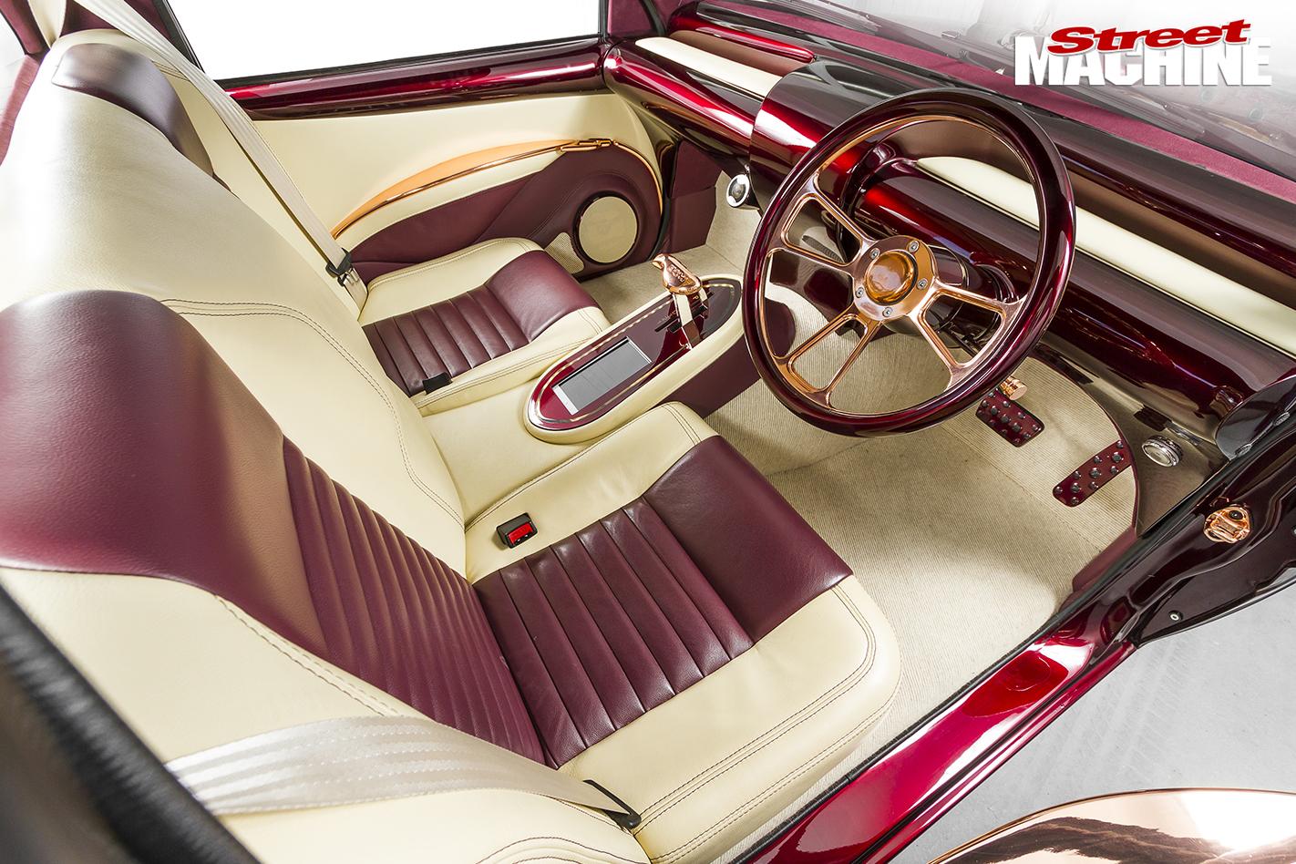 Holden -Rodeo -slammed -interior