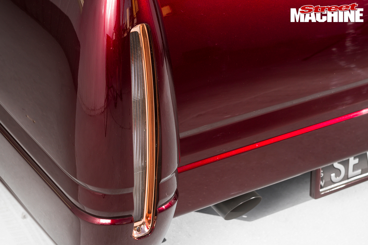 Holden -Rodeo -slammed -taillight