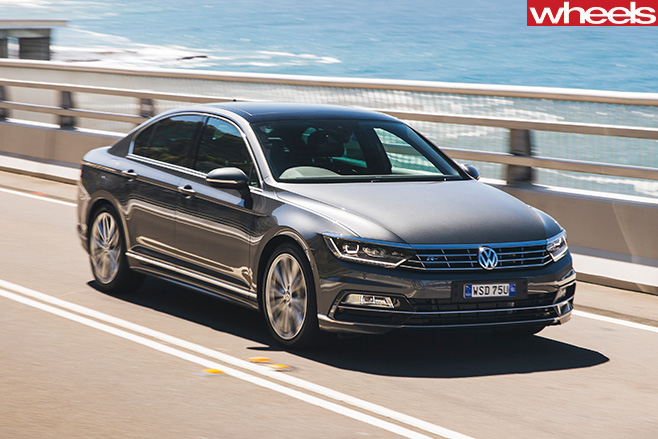 Volkswagen -Passat -front -side